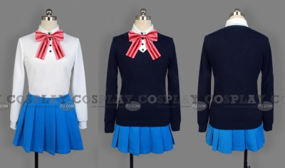 Aya Cosplay from Kiniro Mosaic