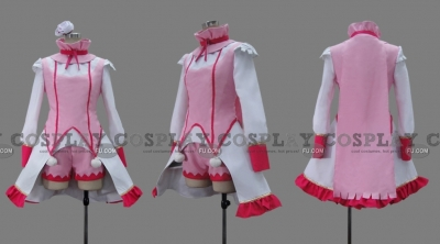 Ecarlate Cosplay from Ixion Saga DT