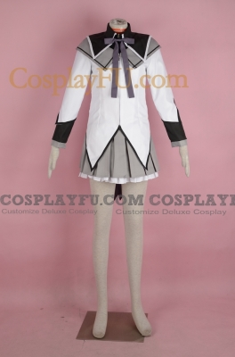 Homura Cosplay from Puella Magi Madoka Magica