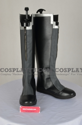 Izanagi Shoes (Q690) from Persona 4