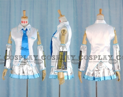 Miku Cosplay (Snow) from Vocaloid