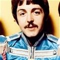 Paul Cosplay Da The Beatles